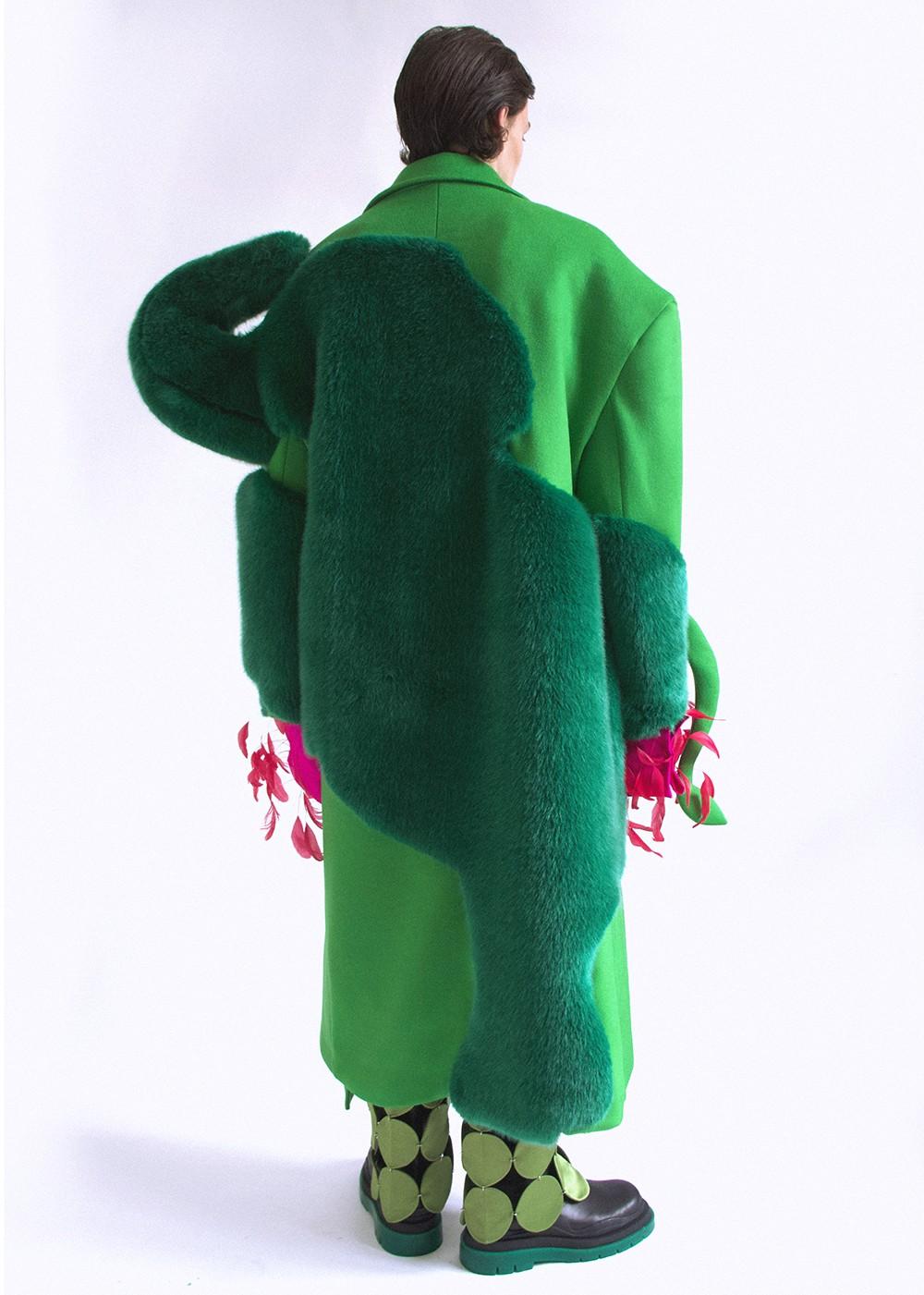 Luna _Moraga-Garcia_Luna-Moraga-Garcia-Topiary Elephant Coat